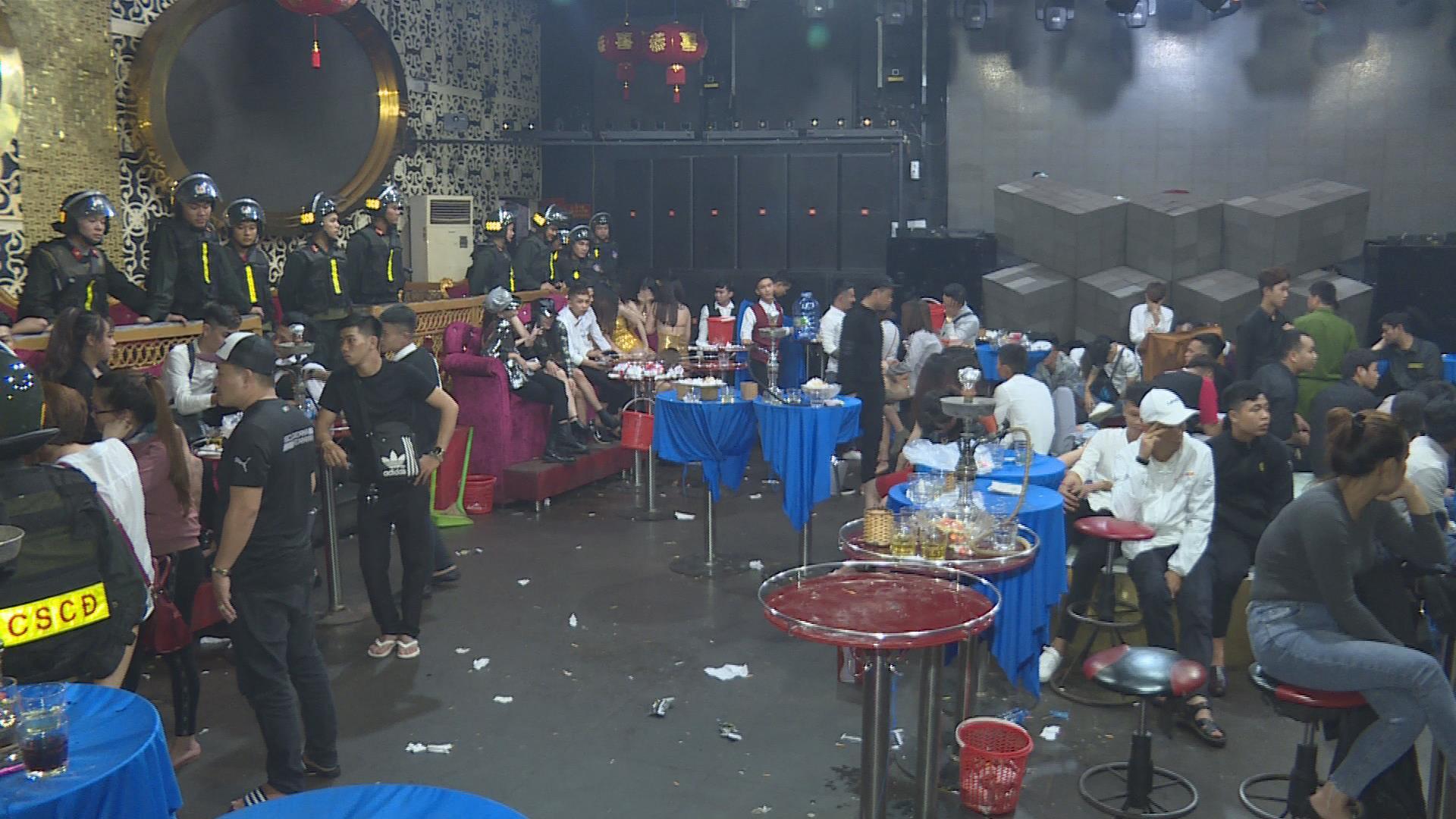 Hàng chục thanh niên dương tính với ma túy bên trong 2 quán bar ở Đắk Lắk - Ảnh 2
