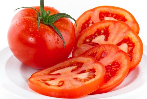 Để sớm thoát khỏi tình trạng mất ngủ bạn nên tránh xa cà chua vào buổi tối