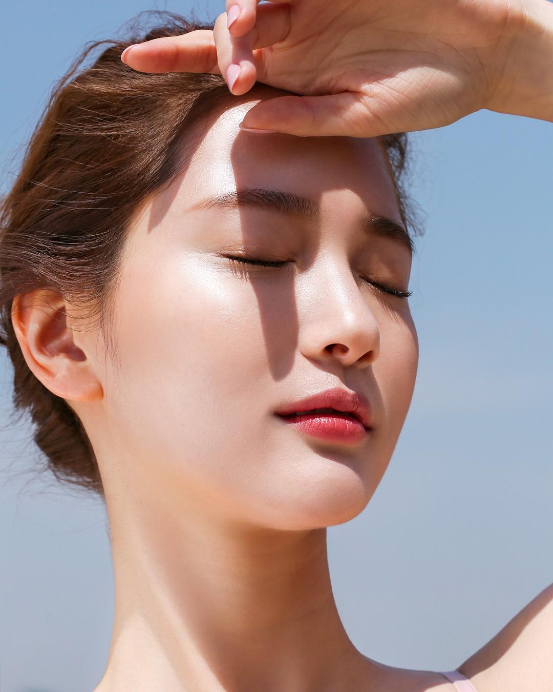 5 bí kíp chăm sóc da đơn giản giúp phụ nữ tuổi 40 giữ mãi 'tháng năm rực rỡ'  - Ảnh 3