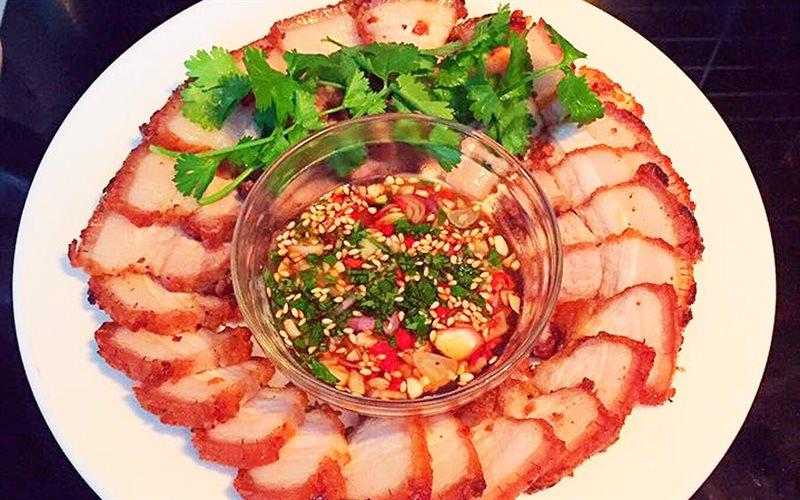 Cách làm món thịt heo chiên kiểu Thái khiến cả nhà mê đắm từ đũa đầu tiên - Ảnh 2