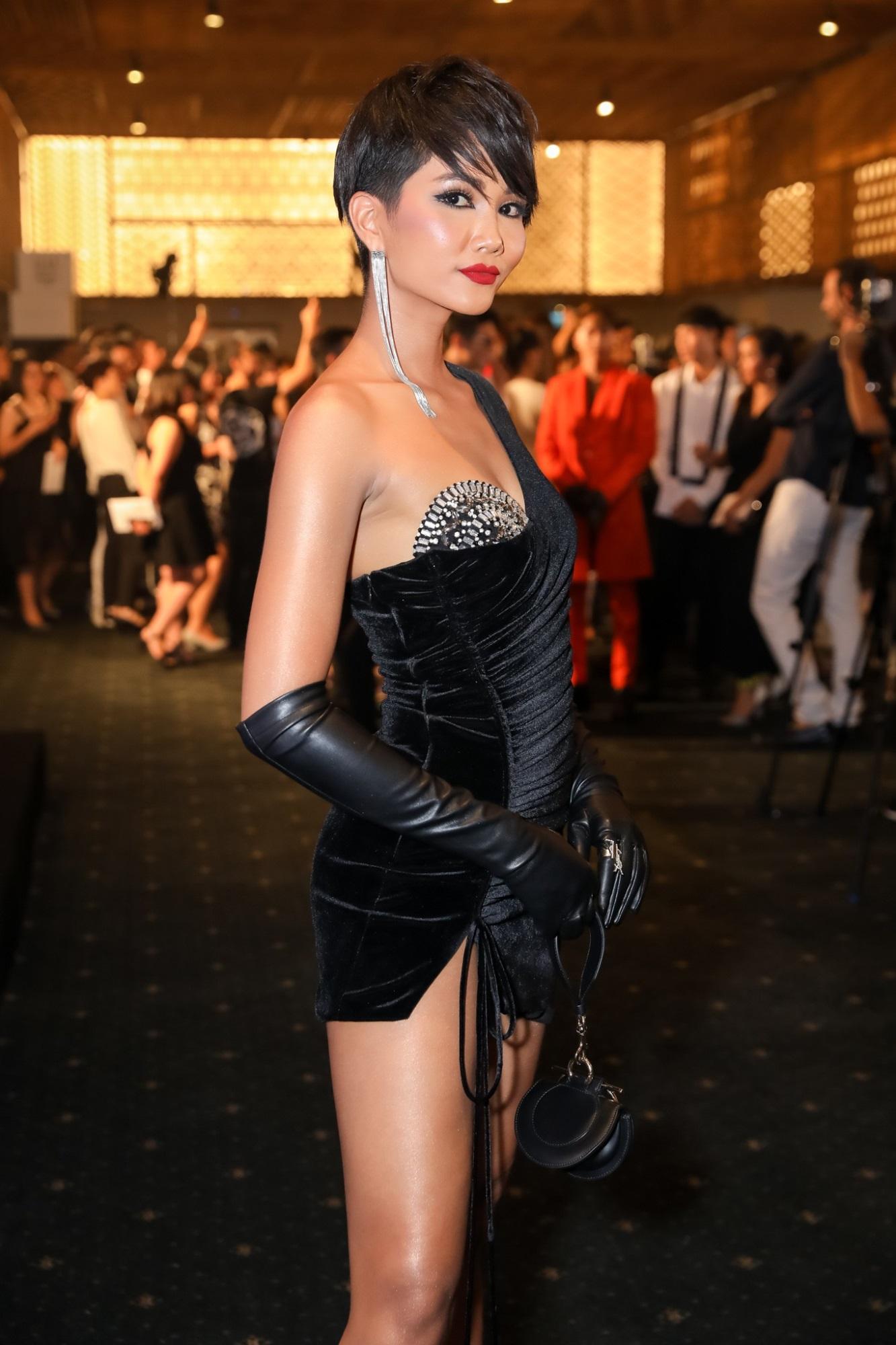 H'Hen Niê: Trước khi vinh danh Top 5 Miss Universe từng lọt Top sao mặc xấu đi vào lịch sử - Ảnh 2