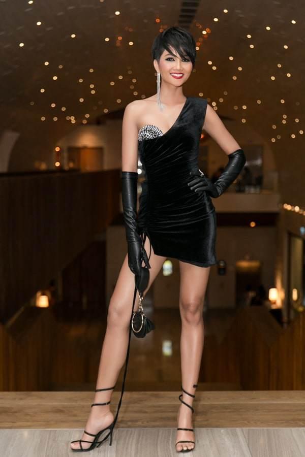 H'Hen Niê: Trước khi vinh danh Top 5 Miss Universe từng lọt Top sao mặc xấu đi vào lịch sử - Ảnh 4