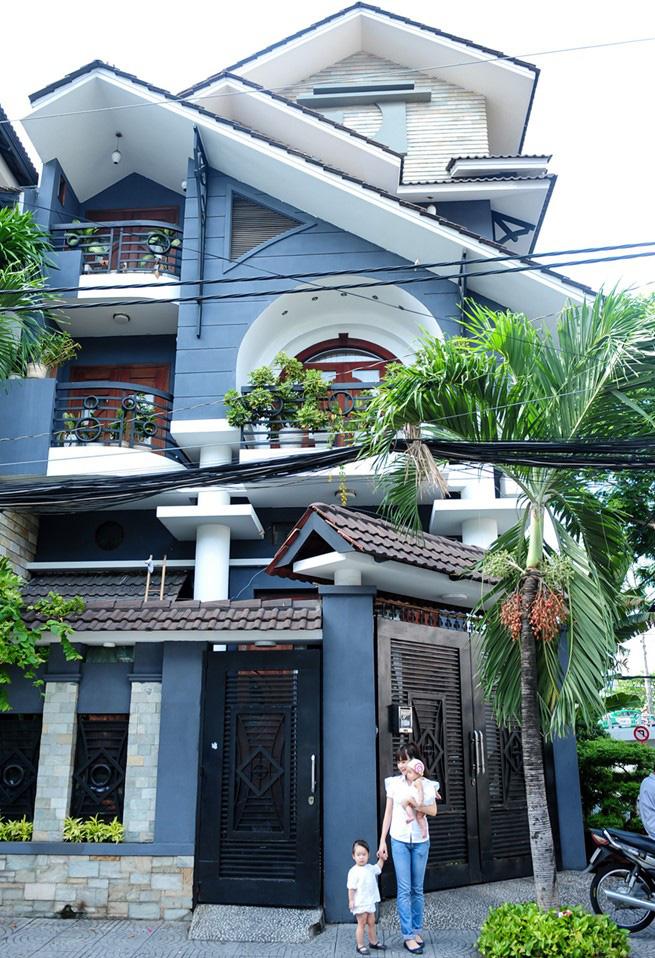 'Hoa mắt' với căn nhà 2 triệu đô ngập đầy gỗ quý của Lý Hải - Minh Hà - Ảnh 2
