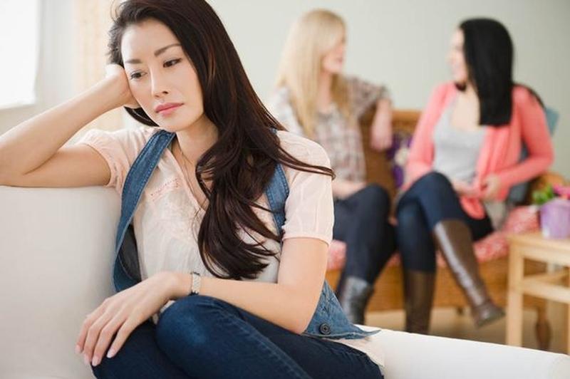 Cảm giác bất an, thiếu tự tin thường xuất hiện ở những người ít quan hệ tình dục.