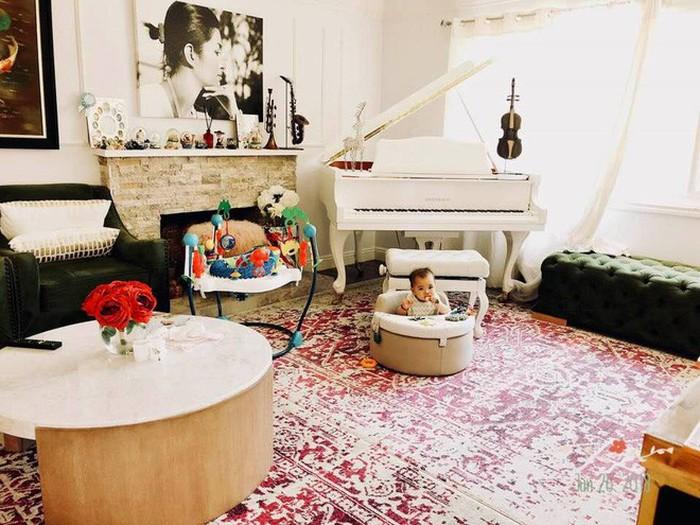 Nữ ca sĩ bỏ xứ vì ảnh nóng sống trong biệt thự triệu đô 900 m2 ở Mỹ - Ảnh 4