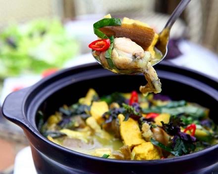 Món lươn om củ chuối mang đậm hương vị làng quê Việt sẽ mang đến bữa ăn gia đình ngày cuối tuần sự thích thú và ngon miệng