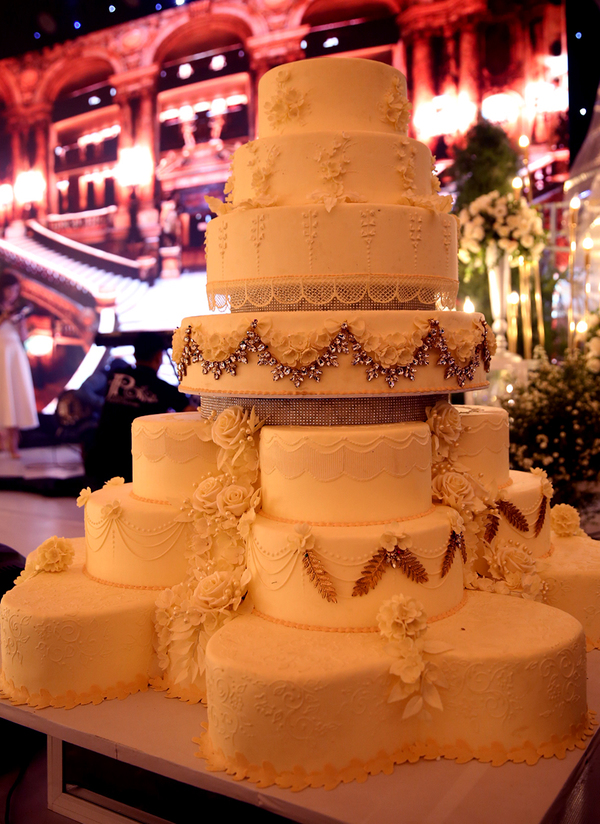 Livestream: Ưng Hoàng Phúc - Kim Cương rạng rỡ đón khách mời đến đám cưới - Ảnh 4