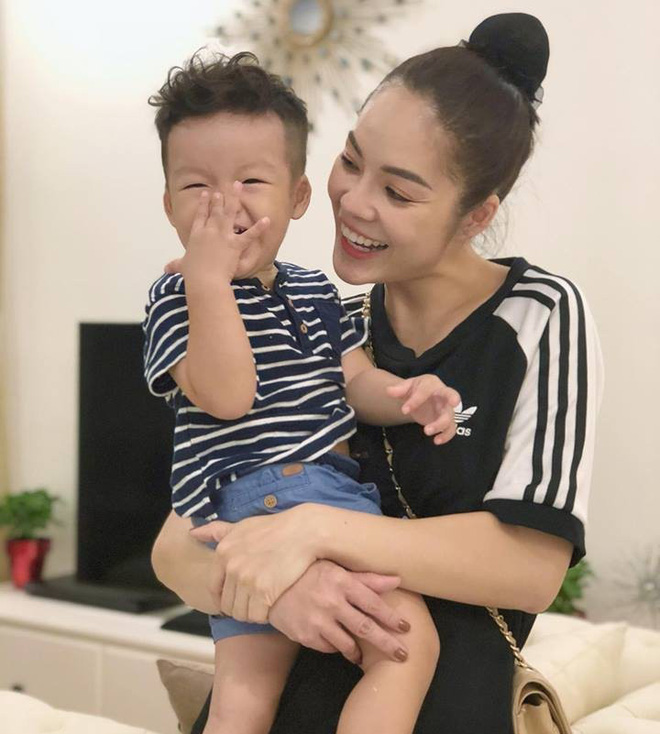 'Cay đắng' mỹ nhân Việt hậu ly hôn: Kẻ trắng tay, người muốn yên ổn nuôi con - Ảnh 1