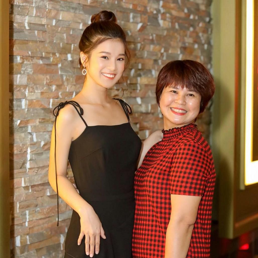 Vừa tậu nhà 6 tỷ đồng, Hoàng Yến Chibi lập kỷ lục Vbiz: 23 tuổi sở hữu 6 căn nhà - Ảnh 4