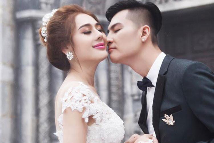 Lâm Khánh Chi chuẩn bị lên chức mẹ, tổ chức tiệc kỉ niệm 1 năm ngày cưới - Ảnh 3