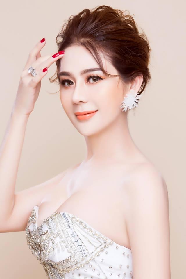 Lâm Khánh Chi chuẩn bị lên chức mẹ, tổ chức tiệc kỉ niệm 1 năm ngày cưới - Ảnh 4