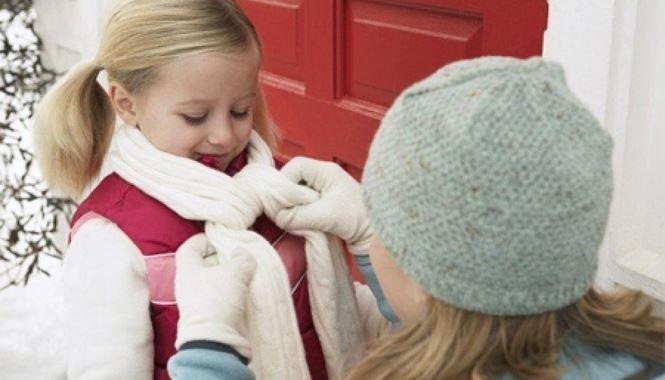 Sai lầm khi chăm con ngày lạnh khiến trẻ ốm thêm - Ảnh 3