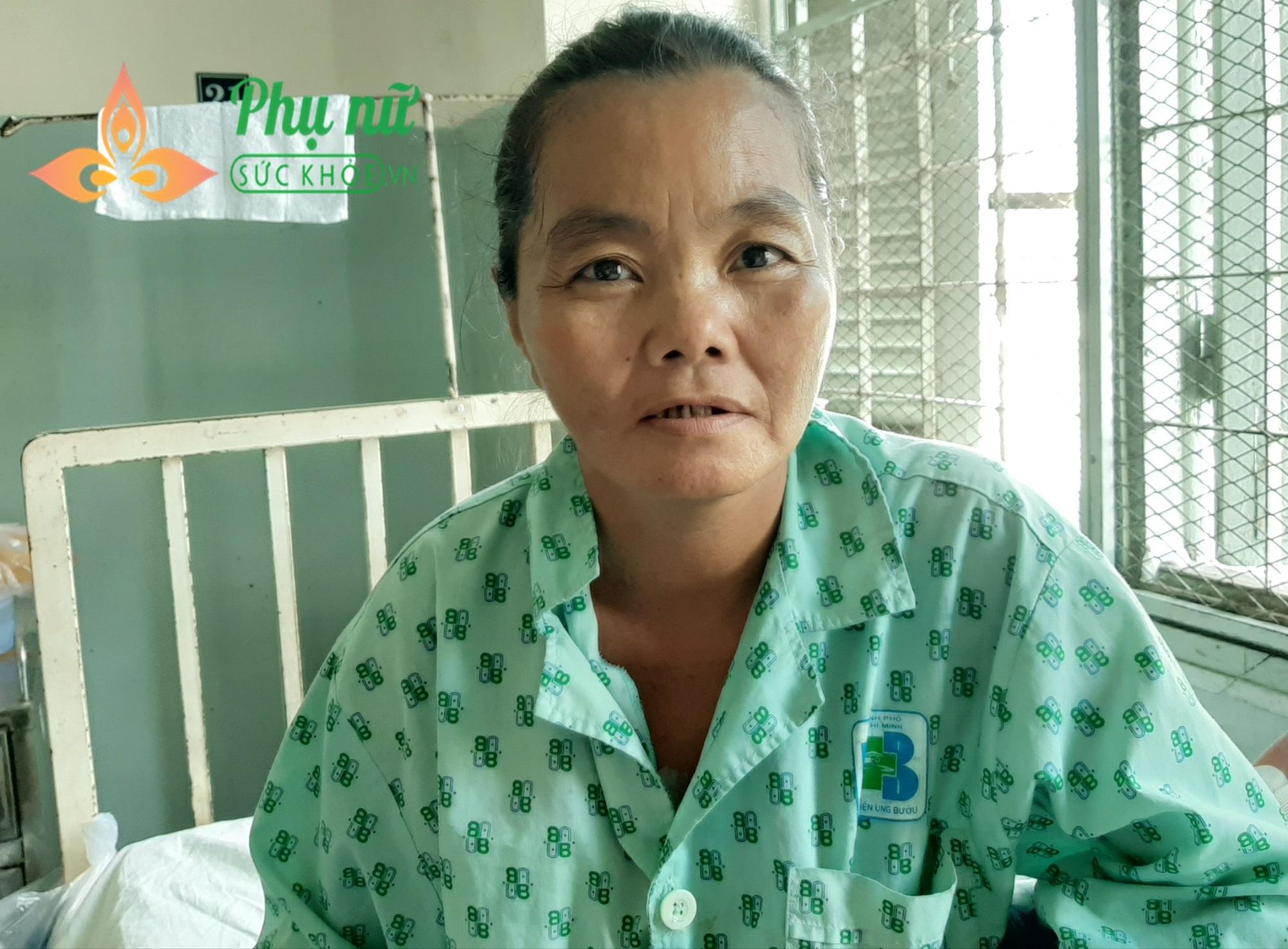 Người mẹ nghèo bị ung thư vú, mong được sống để nuôi hai con mắc bệnh tâm thần - Ảnh 2