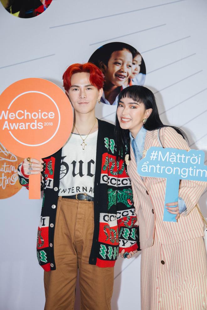Dàn mỹ nhân Việt cạnh tranh body nóng bỏng trên thảm đỏ WeChoice Awards 2018 - Ảnh 1