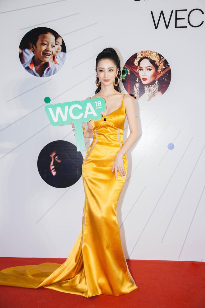 Dàn mỹ nhân Việt cạnh tranh body nóng bỏng trên thảm đỏ WeChoice Awards 2018 - Ảnh 9