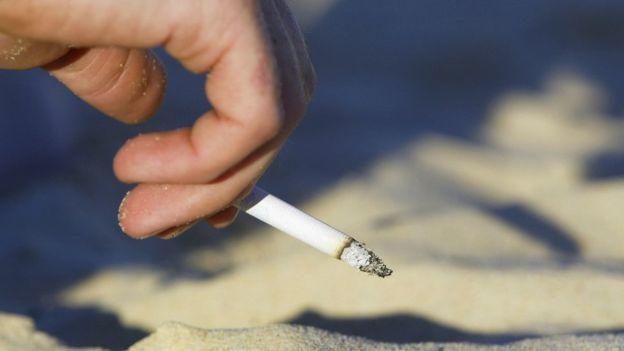 Muôn vàn khó khăn trong việc giảm tỉ lệ người hút thuốc lá - Ảnh 1