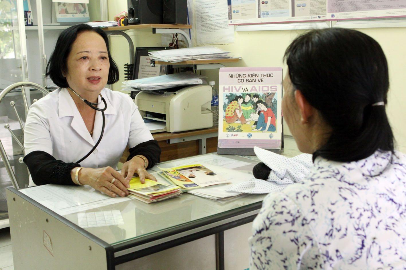 Những bệnh nhân đầu tiên được điều trị bằng thuốc kháng virus từ nguồn bảo hiểm y tế - Ảnh 2