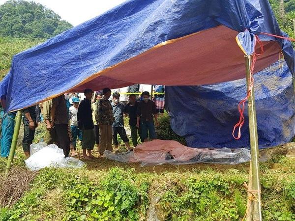 Không có kỳ tích, người đàn ông kẹt trong hang đá ở Lào Cai đã tử vong - Ảnh 2