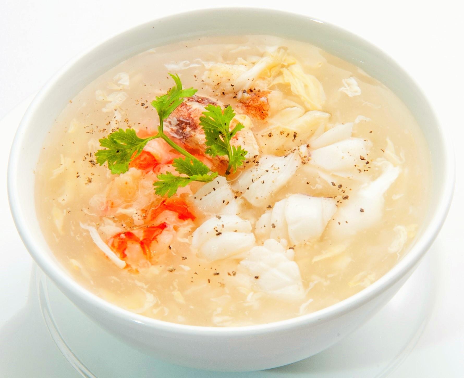 Súp là món ăn giàu dinh dưỡng và dễ tiêu hóa. Khi bị đau dạ dày, chỉ cần ăn vài thìa súp sẽ thấy dễ chịu hơn rất nhiều