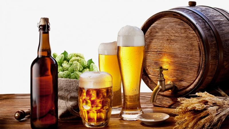 Tránh thức uống có cồn là một trong những điều cơ bản mà người bệnh viêm họng cần phải làm