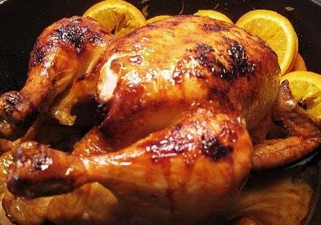 Gà nướng muối ớt bằng than củi sẽ mang lại hương vị thơm lừng khó cưỡng cùng miếng thịt thấm đẫm gia vị