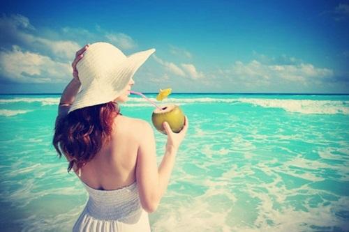 Da trắng, sạch mụn và thân hình mi nhon trông thấy nhờ uống nước dừa liên tục 7 ngày mỗi khi đói bụng - Ảnh 4