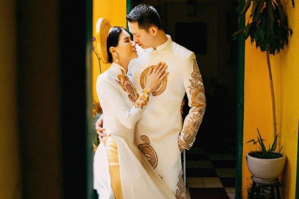 Ngắm trọn bộ ảnh cưới truyền thống đẹp lung linh của Trang Trần cùng ông xã Việt kiều Louis Trần - Ảnh 2