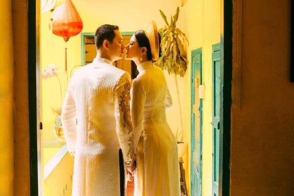 Ngắm trọn bộ ảnh cưới truyền thống đẹp lung linh của Trang Trần cùng ông xã Việt kiều Louis Trần - Ảnh 3