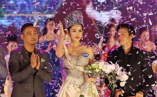 Tuyên bố từ bỏ vương miện, Hoa hậu Đại dương 2014 Đặng Thu Thảo bị 'thánh chửi' Trang Trần mắng 'sốc đến tận óc' - Ảnh 2