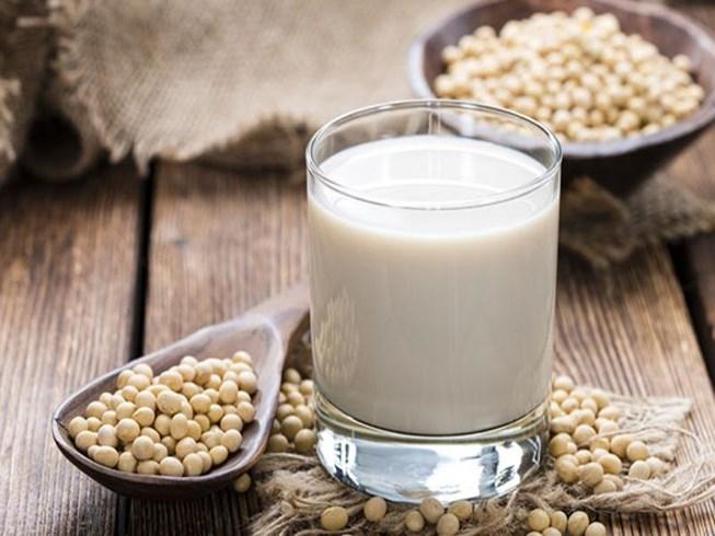 Sữa đậu nành giàu dinh dưỡng nhưng nếu uống không đúng cách sẽ gây hại cho sức khỏe