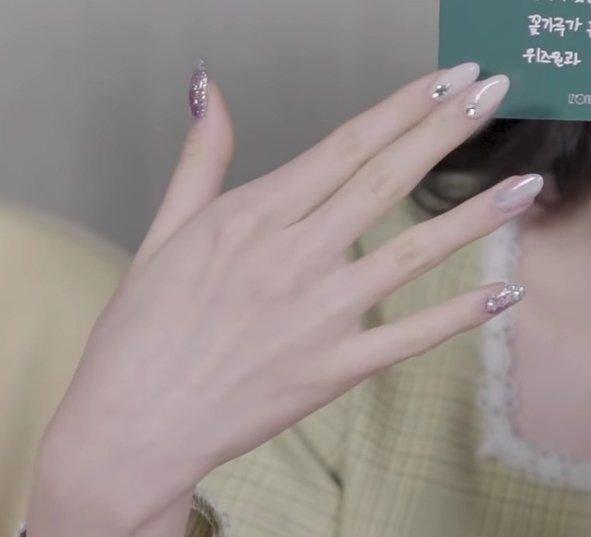 Phụ nữ có bàn tay sở hữu 1 trong 3 tướng nét này, nếu không xinh đẹp giỏi giang thì cũng giàu sang thành đạt, người người ngưỡng mộ - Ảnh 1