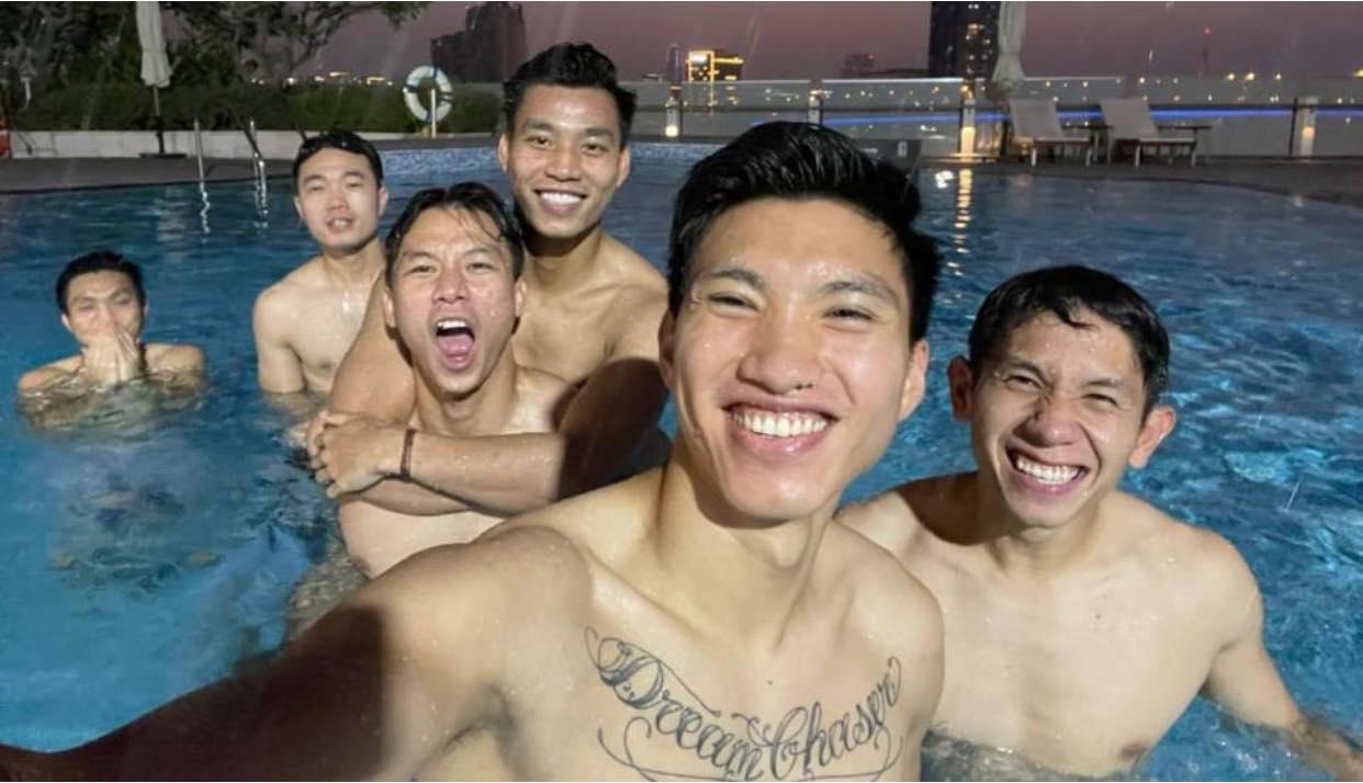 Khoe body dàn trai đẹp đội tuyển Việt Nam khiến chị em mất ngủ - Ảnh 1