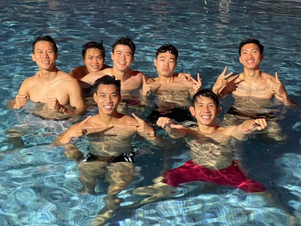Khoe body dàn trai đẹp đội tuyển Việt Nam khiến chị em mất ngủ - Ảnh 2
