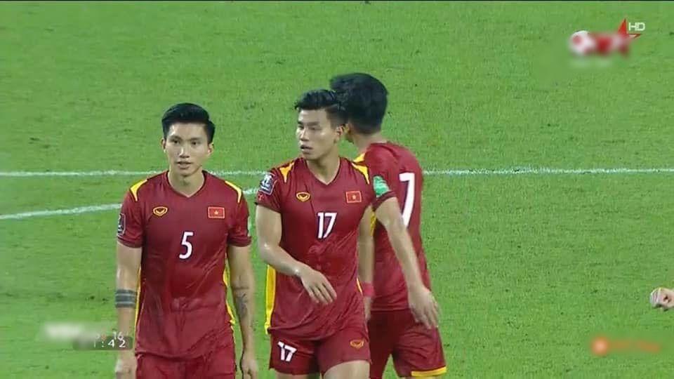 Khoe body dàn trai đẹp đội tuyển Việt Nam khiến chị em mất ngủ - Ảnh 5