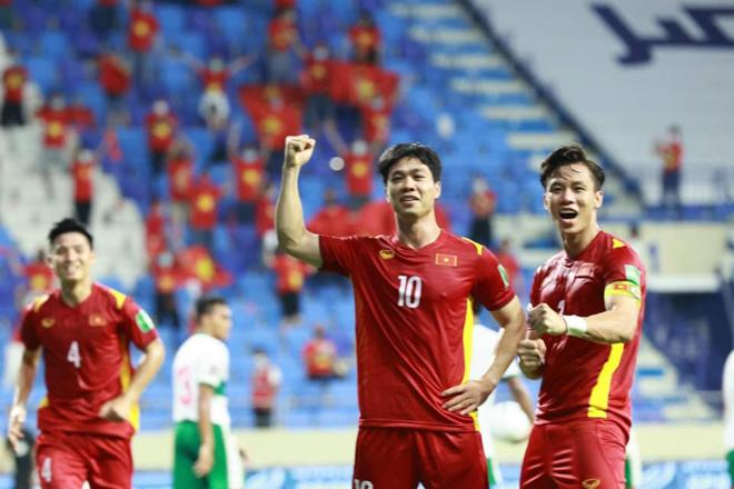Khoe body dàn trai đẹp đội tuyển Việt Nam khiến chị em mất ngủ - Ảnh 9