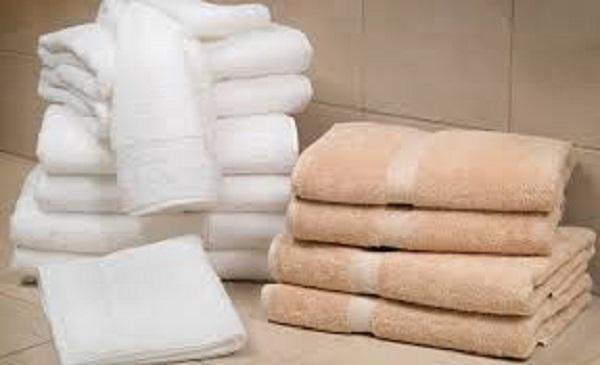 Đôi vợ chồng trẻ cùng nhập viện vì lây nhiễm chéo virus HPV, do cả 2 có thói quen này khi tắm. - Ảnh 1