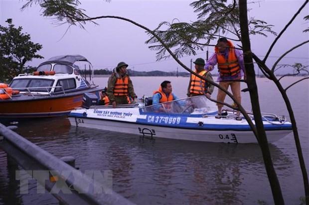 Đã có tới 133 người chết và mất tích do mưa lũ tại miền Trung - Ảnh 1