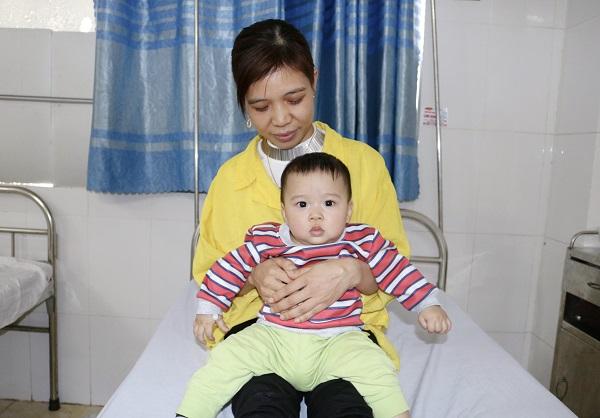 Mổ cấp cứu tháo lồng ruột cho trẻ 8 tháng - Ảnh 2