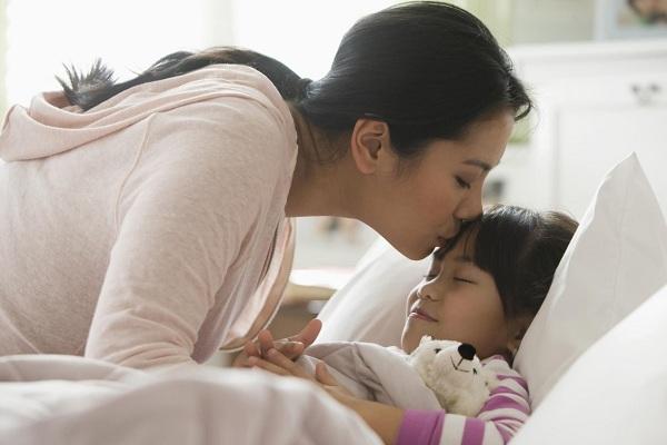 Câu hỏi quan trọng mà cha mẹ nên hỏi con mỗi ngày trước khi đi ngủ - Ảnh 1