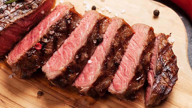 3 loại thịt cực kỳ kỵ bia rượu, ăn vào rất hại gan thận - Ảnh 1