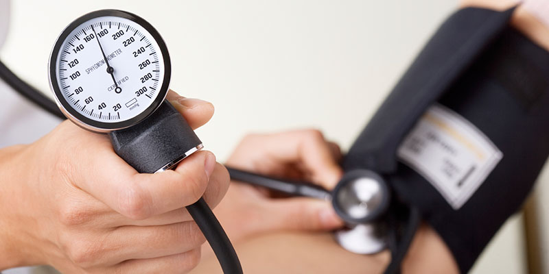 Chấm dứt bệnh cao huyết áp nhờ bài thuốc từ tỏi và đậu trắng - Ảnh 1