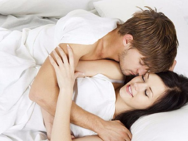 Phụ nữ thực sự MUỐN gì trên giường, đàn ông liệu có hiểu những điều vợ KHAO KHÁT - Ảnh 1