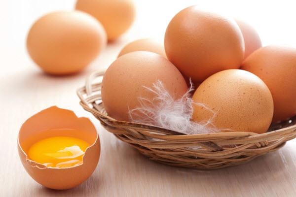 Trứng rất tốt, nhưng cho con ăn cách này thì coi chừng gây độc nguy hiểm - Ảnh 1