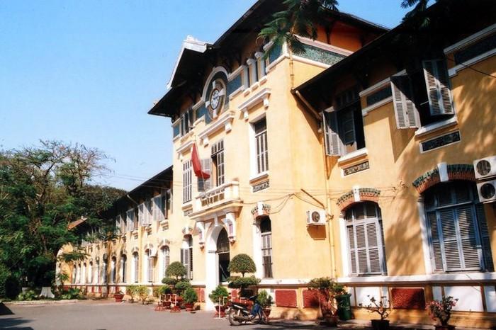 Nhiều học sinh, giáo viên Sài Gòn được nghỉ do nghi liên quan ca nhiễm Covid-19 - Ảnh 1