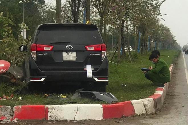 Vụ ôtô tông liên hoàn ở Hà Nội - tài xế khai do buồn ngủ - Ảnh 1