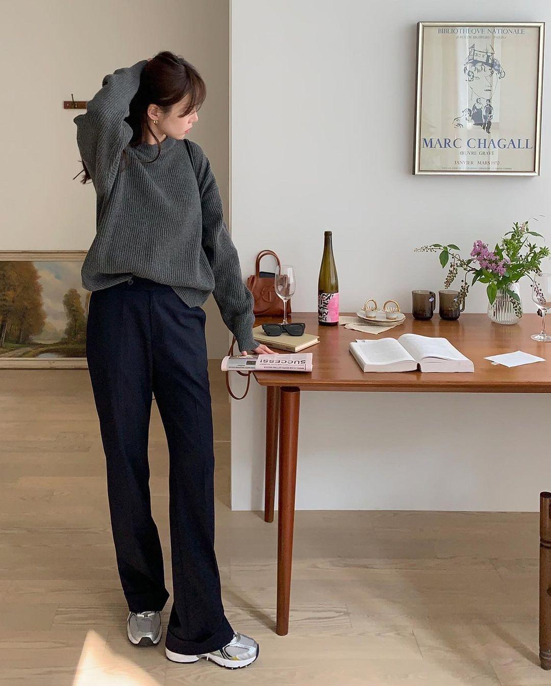 Gái Hàn diện quần đen rất nhiều nhưng luôn xịn đẹp chứ không nhàm chán, đó là vì họ có 4 tips - Ảnh 10