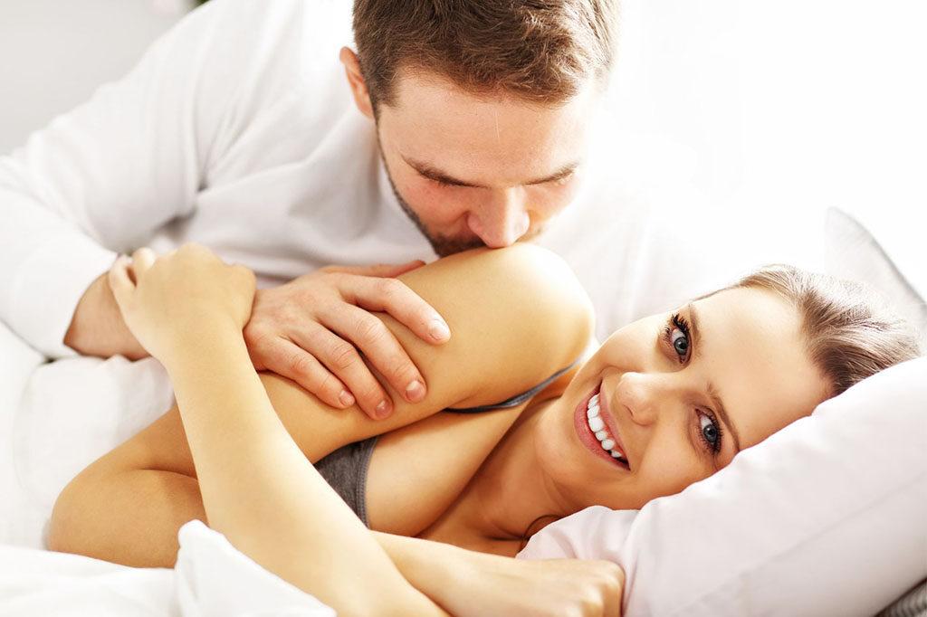 Quan hệ tình dục an toàn: 5 nguyên tắc 'VÀNG' phụ nữ không nên bỏ qua để bảo vệ chính mình - Ảnh 2