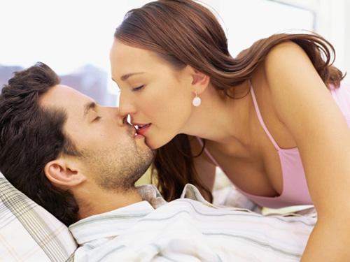Tại sao đàn ông THÍCH phụ nữ giỏi 'chuyện ấy', vợ biết chiều, chồng cả đời không đi tìm của lạ - Ảnh 1