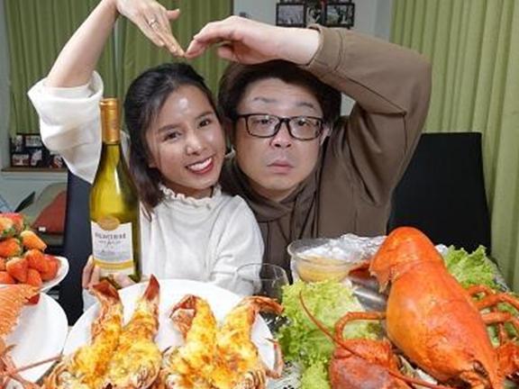 Những cặp vợ chồng hài hước 2 quốc tịch gây sốt mạng xã hội Việt Nam ảnh 8