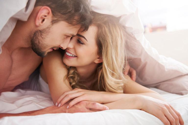 Bí quyết cải thiện đời sống phòng the, vợ nên biết cách giúp chồng lấy lại phong độ - Ảnh 1